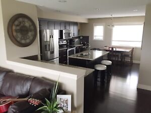 FULLY-FURNISHED TOWNHOUSE FOR RENT//SHERWOOD PARK//$1899MTH