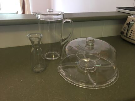 Serving wear bundle (plastic/glass carafe)
