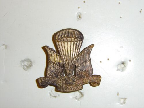 0327v WW 2 Canada Canadian Parachute Corp Beret Badge 1st Style Variation IR17A