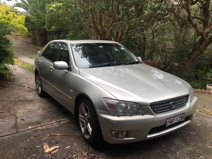 2001 Lexus IS200 Luxury