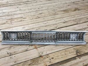 1972 DUSTER SHARKTOOTH GRILL