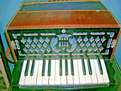 Vintage La Tosca Accordian & Case Good Working Learn to Play -Easy Sweet Player