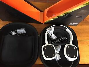 Brand new in box Astro A30 video gaming headset, white Cambridge Kitchener Area image 2