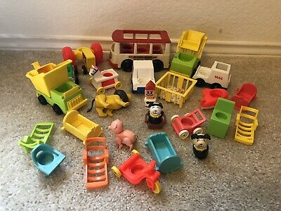 Vintage Fisher Price Little People Lot 3