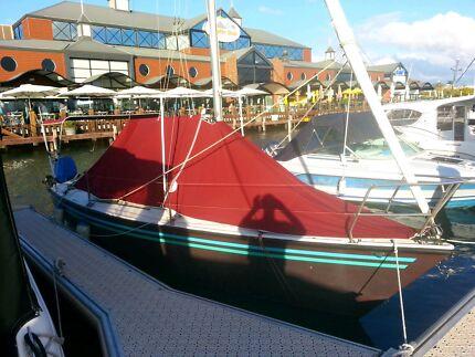 Court 750 drop keel & trailer ( half price )