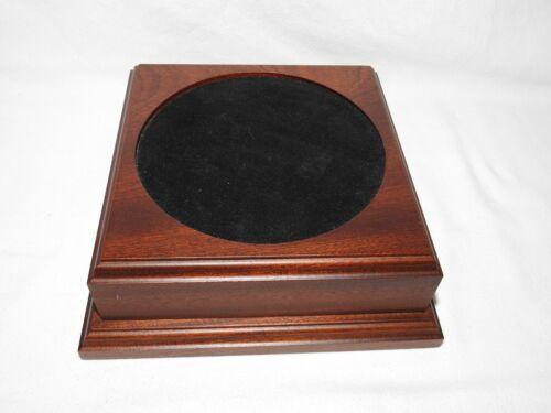 Vase , Bowl or Trophy Solid Wood stand