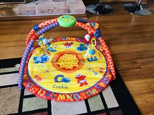 Baby play gym excellent condition