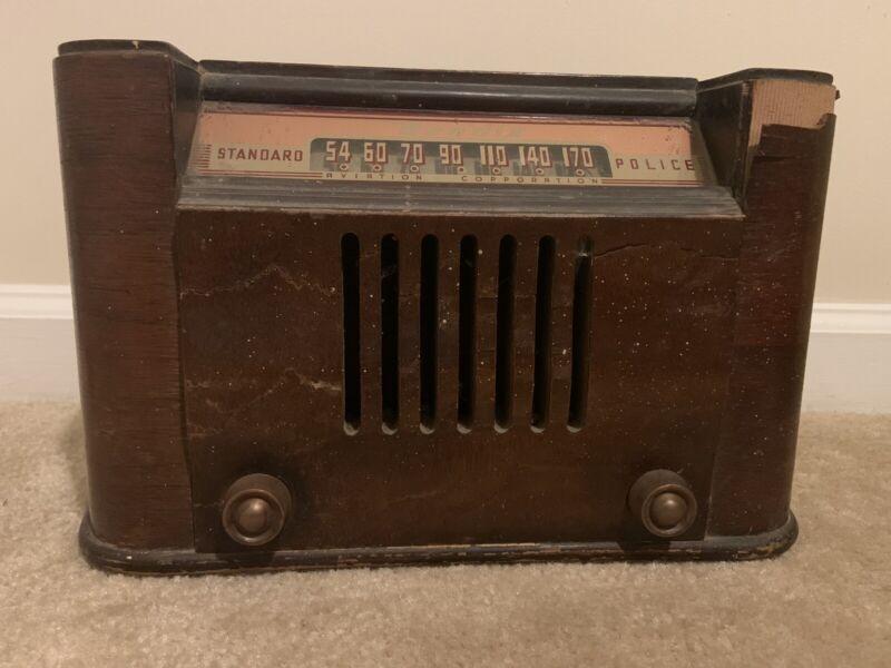Bendix 1946 Antique Wood Tube Radio Model 0526E.  Powers On! No Cracks On Glass!