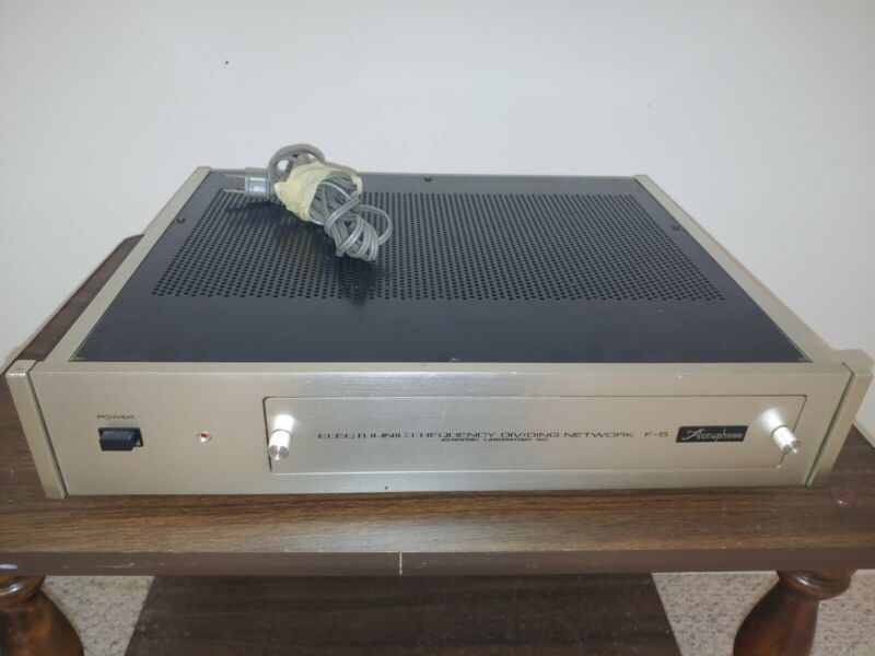 Accuphase F5 electronic crossover