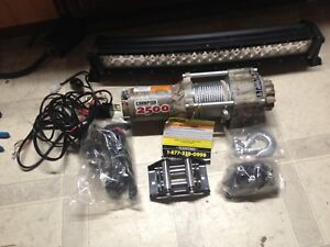 New winch never used  asking 140$ paid 200$