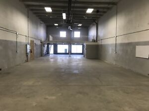 Industrial bay with parking and yard for rent available Jan 2018