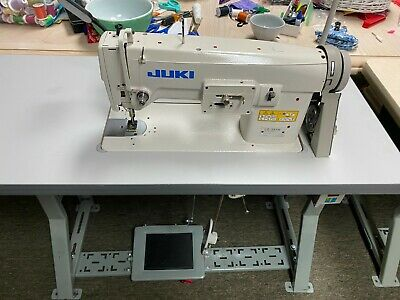 Juki Lz 391n Industrial Zig Zag Stitch Sewing Machine Made In Japan Table