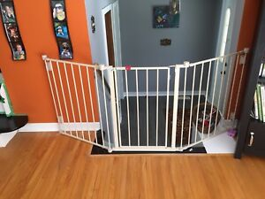 Extra wide gate