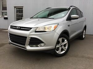 2014 Ford Escape SE, 4X4, BACKUP CAM,  BLUETOOTH, HEATED SEATS.