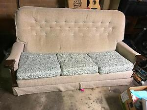 Lounge free, pick up at 4053 Everton Hills Brisbane North West Preview