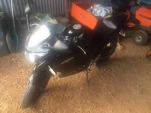 2011 CBR125R 6000 kms Runs Great! - Price Reduced! - Kadina Copper Coast Preview