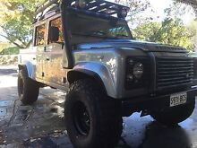 Land Rover Defender custom alloy wheels and tyres (5) only 2000km Colonel Light Gardens Mitcham Area Preview