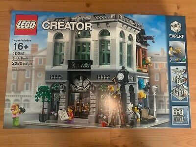 LEGO 10251 Creator Expert Brick Bank Set