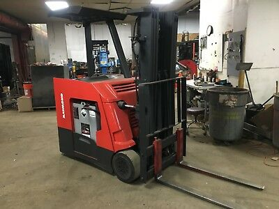 2012 Raymond Forklift Dock Stocker 4000 188 Lift Mn425 2015 Battery 36 Volt