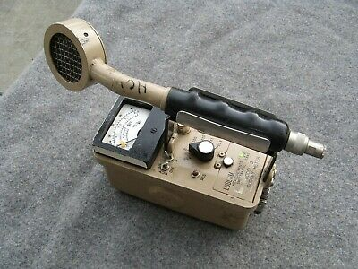 Ludlum Model 3 Survey Meter With 44-9 Pancake Probe