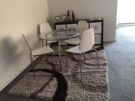 Dinning table + rug  Southbank Melbourne City Preview