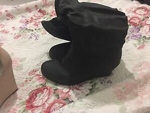 Ladies size 9 black boots Cooranbong Lake Macquarie Area Preview