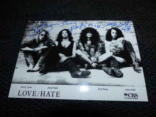 LOVE/HATE signed Autogramm auf 13x18 cm Foto InPerson LOOK