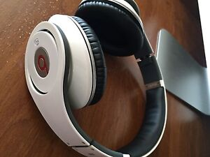 Selling White Studio Beats**Must Sell Reduced**