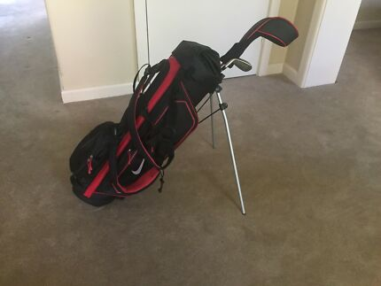 kids nike golf bag, excellent condition, stored indoors