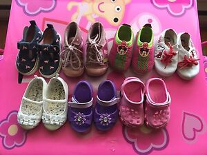 Toddler girl's shoes (size 5)