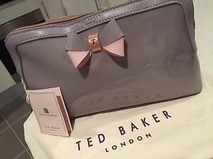 TED BAKER MAKEUP & WASH BAG Valentine Lake Macquarie Area Preview
