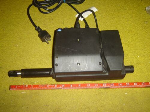 LINAK LA31 with the control LINAK CB09 for three motors tested and working