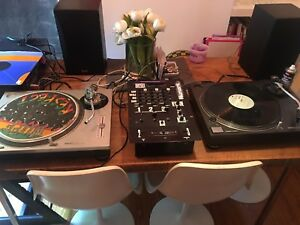 2 x technics 1200 with mixer, speakers and amp