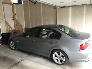 2009 328i RWD BMW, leather , sunroof, Bluetooth , low mileage