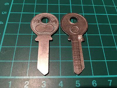 Mercedes und Opel Vorkrieg / Neuer Schlüsselrohling Börkey Profil 228 1/2