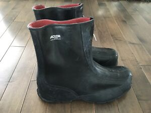 Protège chaussures / Overboot neuve ACTON 13