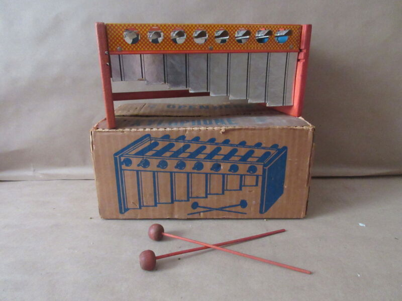 Vintage 1940s 8 Key Xylophone #608 Professional Style musical instrament