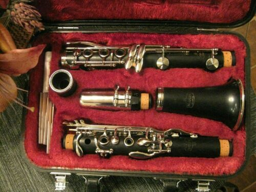Leblanc Noblet Wood Clarinet in Good Condition, with Case, Mouthpiece MSRP $2499