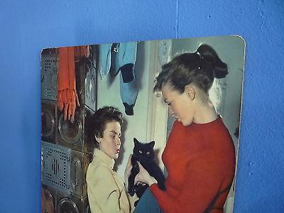 AGFA Werbebild-2 Mädchen am Kachelofen-Agfacolor-Pappe-Guter Originalzustand-50s