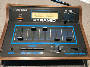 Pyramid PR-4700 mixer