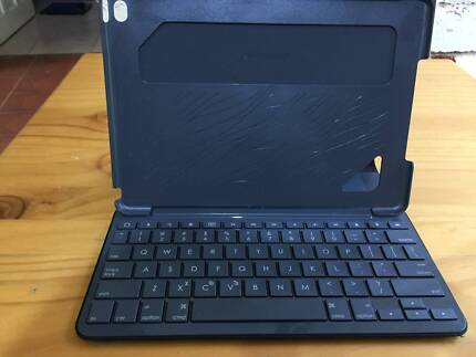 Logitech iPad Air Keyboard Case
