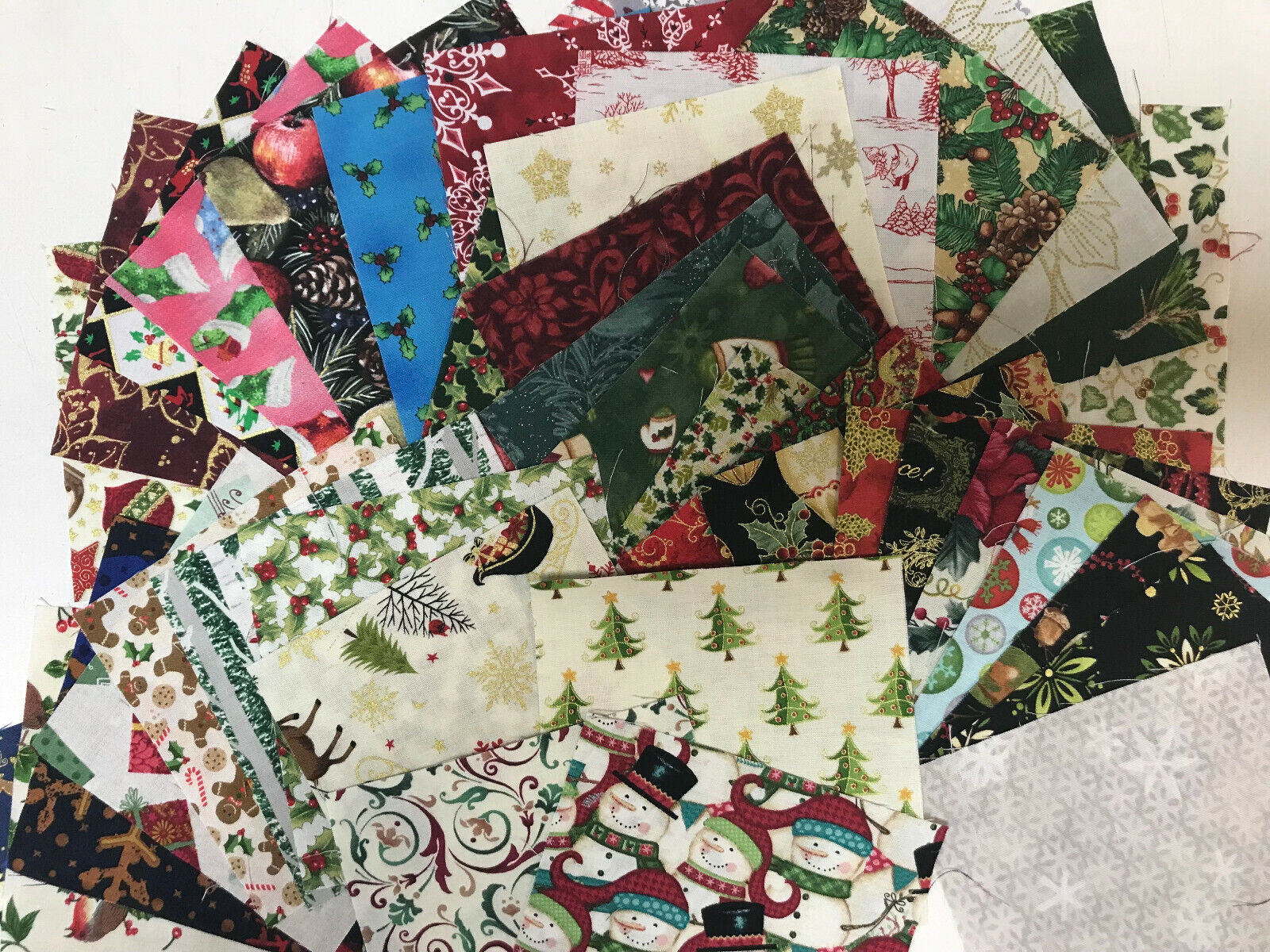 Xmas 42 Piece Charm Pack 5 Inch Squares Christmas Fabric Quilt Store Precut