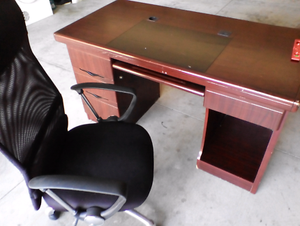 Free office chair & desk