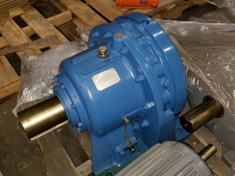 SUMITOMO CHH-6225Y-43 Speed Reducer Gearbox 1750 RPM 75.8HP 43 RATIO