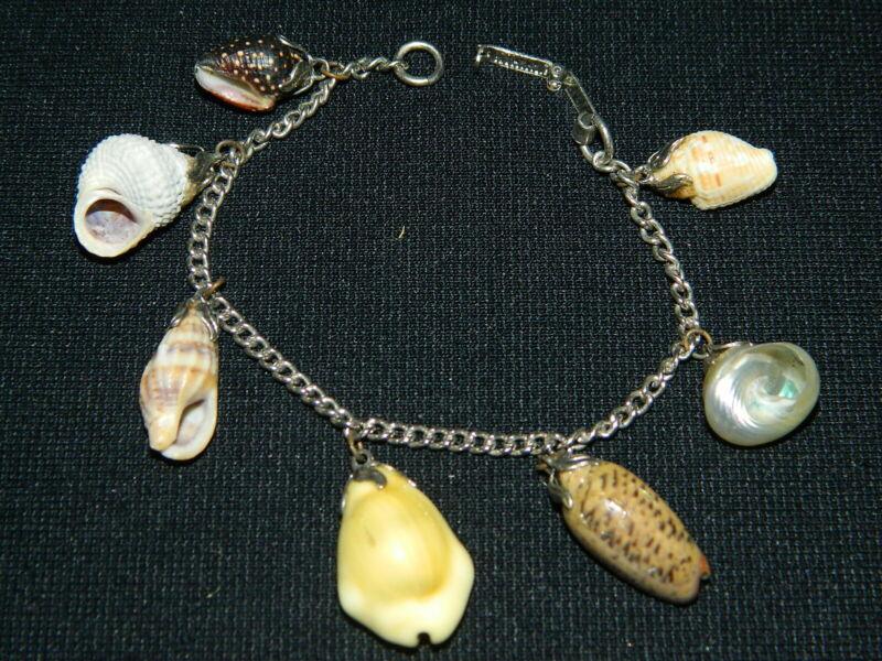163#C-- Bracelet Souvenir Seashell Design Vintage