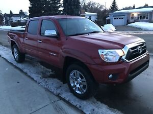 2013 Toyota Tacoma Limited , backup camera , leather