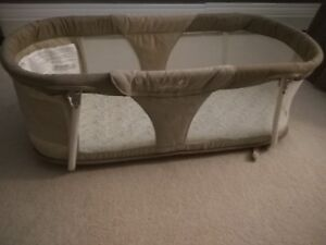 Summer infant sleep by your side bassinet