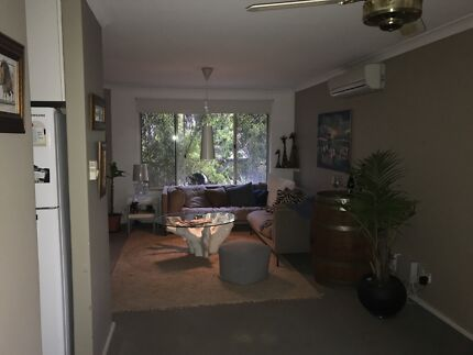 Room +study + bathroom and garage for rent