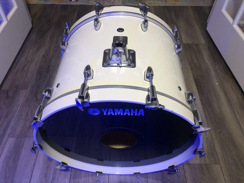 "Yamaha Birch Custom Absolute White Sparkle 22"" Bass Drum Made In Japan"