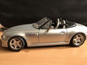 1996 BMW M Roadster. 1/18 Scale